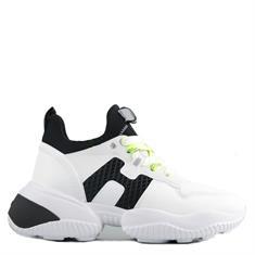 HOGAN sneakers interaction wit